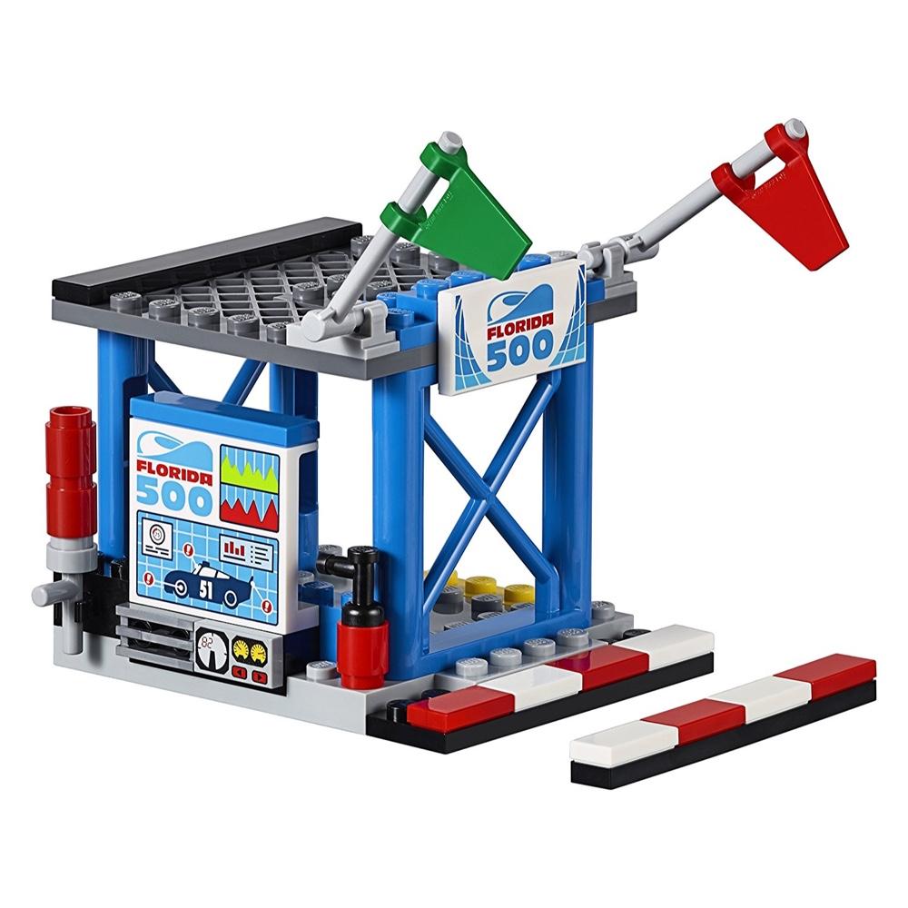 Lego Juniors Disney Pixar Cars 3 Florida 500 Final Race 266 Pieces Online In Dubai Uae Toys R Us